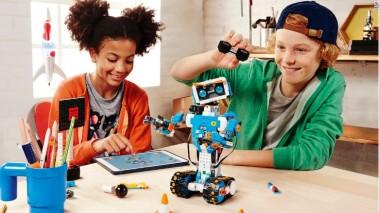 170102094616-lego-robots-ces-2017-780x439
